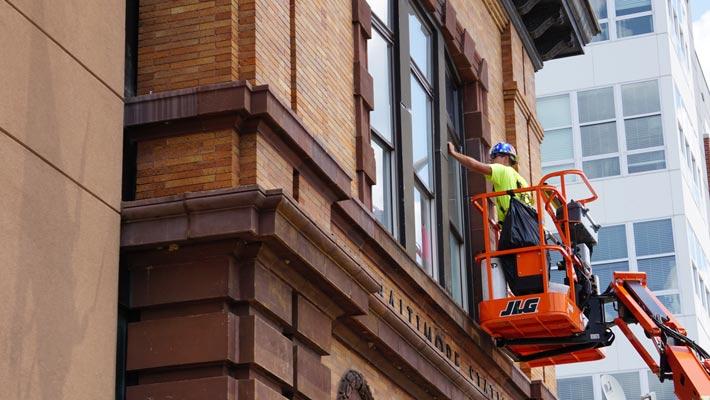 Is-Exterior-Window-Film-Waterproof-rockville-md-commercial-window-tinting