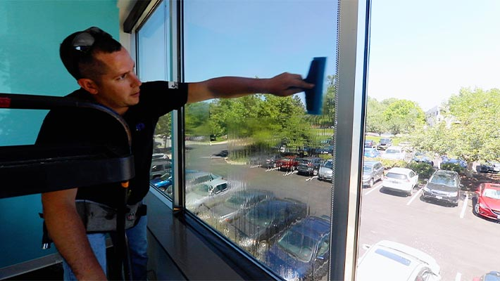 finding a quality baltimore commercial window tinting company